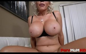huge boobs mom sex with son xvideos